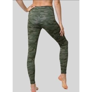 Onzie Women's Green Camo Athletic Leggings